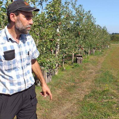 Visite de ferme. La GAEC des deux Saints: pommes et jus bio